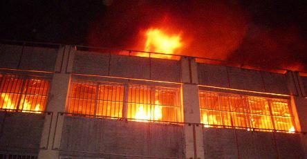 Incendie-grand-marché-de-Lomé