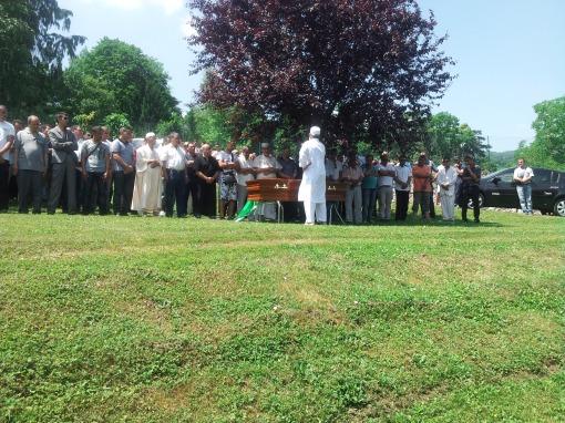 le cercueil de Mabrouk le 13 juin à Tullins