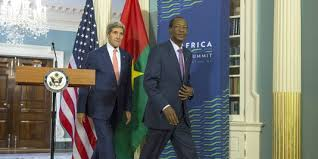 B.Compaoré et J.Kerry ( un photo du journal le monde)
